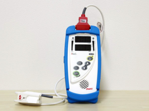 酸素飽和度測定器の写真